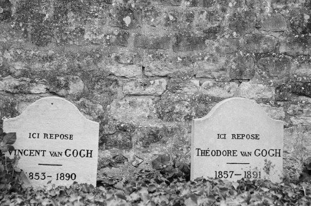 van-gogh-tomb